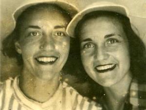 Mom_and_loretta_3